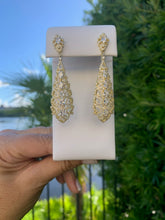 Load image into Gallery viewer, Chandelier Earrings