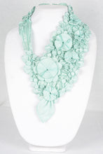 Load image into Gallery viewer, Tropical Floral Necklace