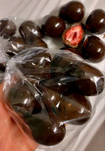 Load image into Gallery viewer, Berry Patch Strawberries (freeze dried | chocolate coated)