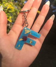 Load image into Gallery viewer, Glow In The Dark Resin Keychain!
