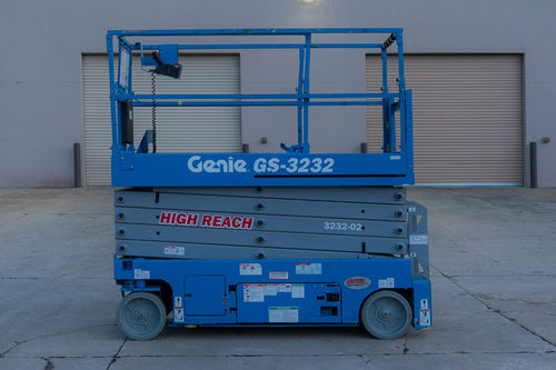 32 ft, Narrow Electric, Scissor Lift For Rent