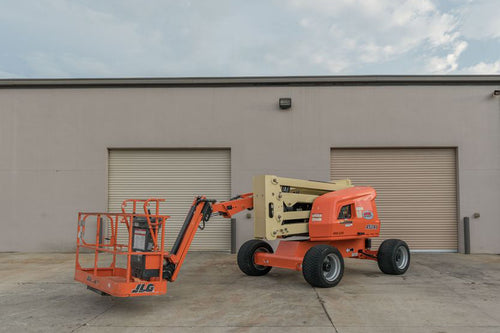 45 ft, Gas/Diesel, Dual Fuel, Articulating Boom Lift For Rent