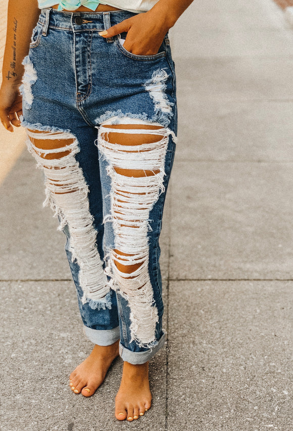 Heavy Distressed Mom Jean