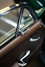 Load image into Gallery viewer, Porsche 356 C Coupé '64 Irish Green-Brown