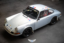 Load image into Gallery viewer, Porsche 911 S November 1966 Aga Blue