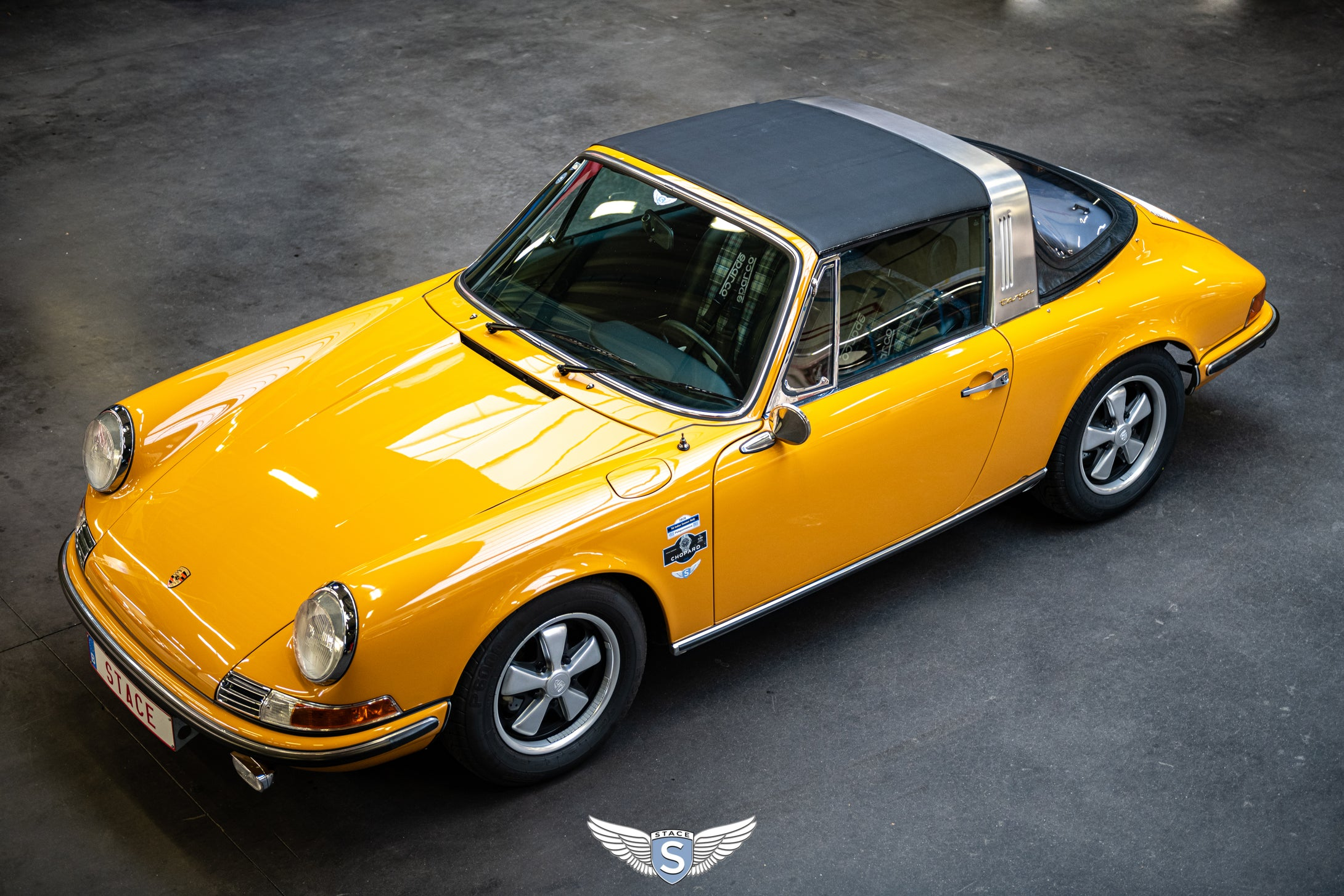 Porsche 911 Softwindow '69 Bahama Yellow