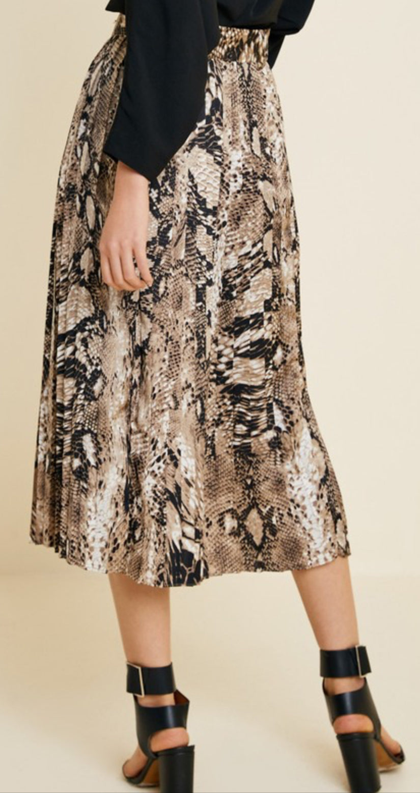 Long Loose Snake Print Skirt (Plus Sizes Available)