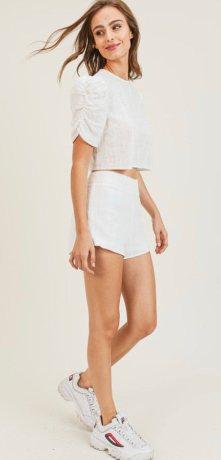 PT White light and breathable linnen top with ruffled shoulder