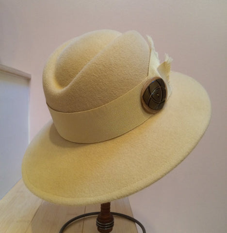 Soft Buttery Yellow Velour Wool Felt Hat!