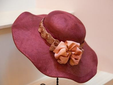 Stella, Derby Hat