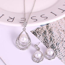 Load image into Gallery viewer, Chic Silver Pearl & Crystal Drop Jewellery Set