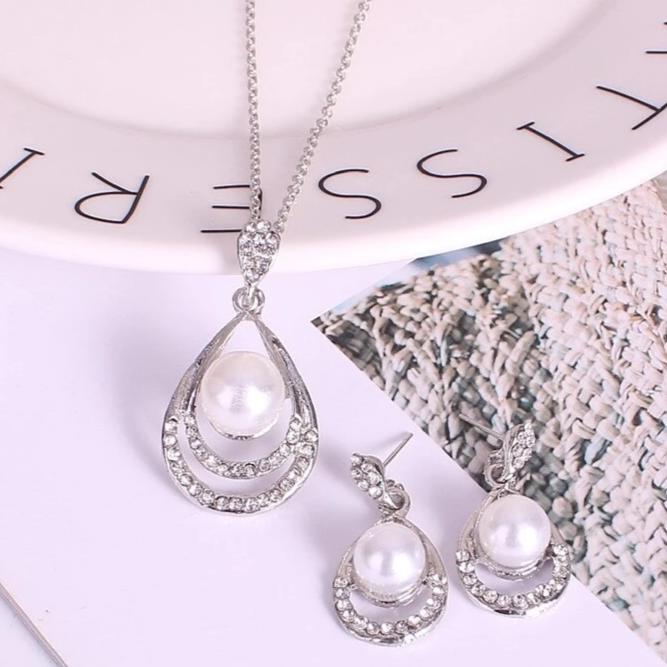 Chic Silver Pearl & Crystal Drop Jewellery Set