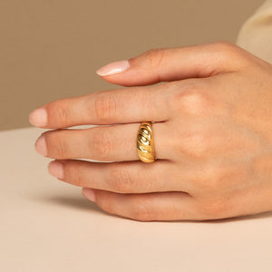 Thick Italo Ring