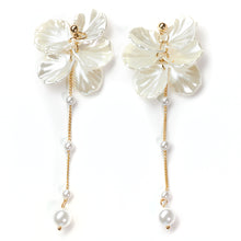 Load image into Gallery viewer, Abundance long-drop Pearl & Shells Earrings