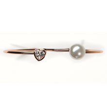 Load image into Gallery viewer, Minimal Rose Gold Pearly Heart Bracelet