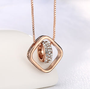 Chic Rose Gold Necklace with Ring Pendants