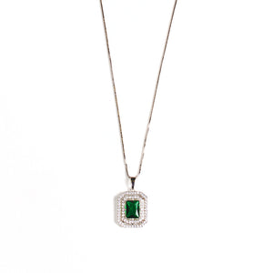 Chic Emerald Gemstone Necklace