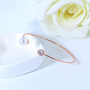 Minimal Rose Gold Pearly Heart Bracelet