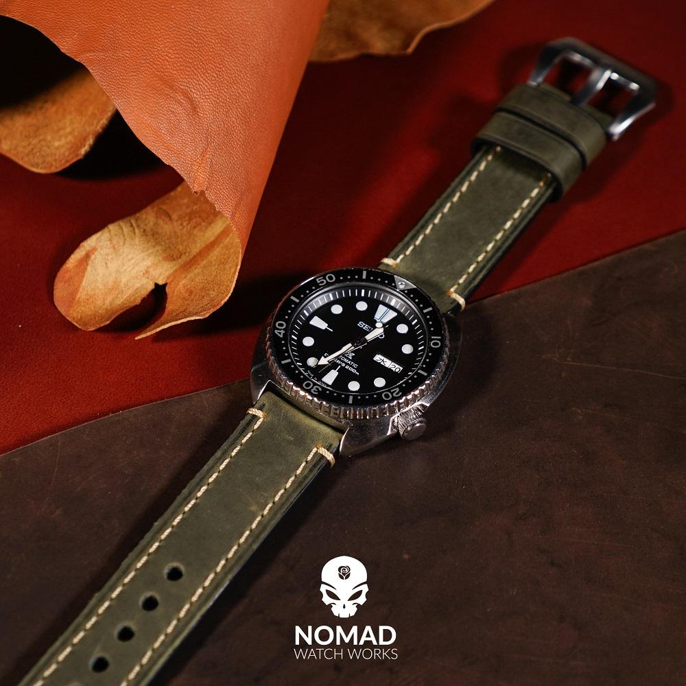 M1 Vintage Leather Watch Strap in Olive (22mm)
