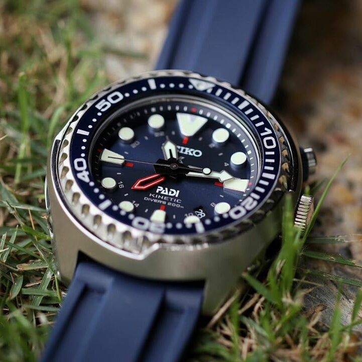 V3 Silicone Strap in Navy (24mm)