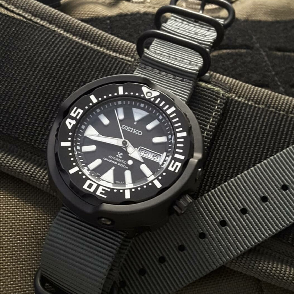Heavy Duty Zulu Strap in Grey with PVD Black Buckle (22mm)
