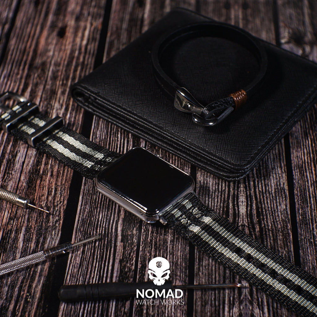 Lincoln Leather Bracelet in Black - Nomad watch Works