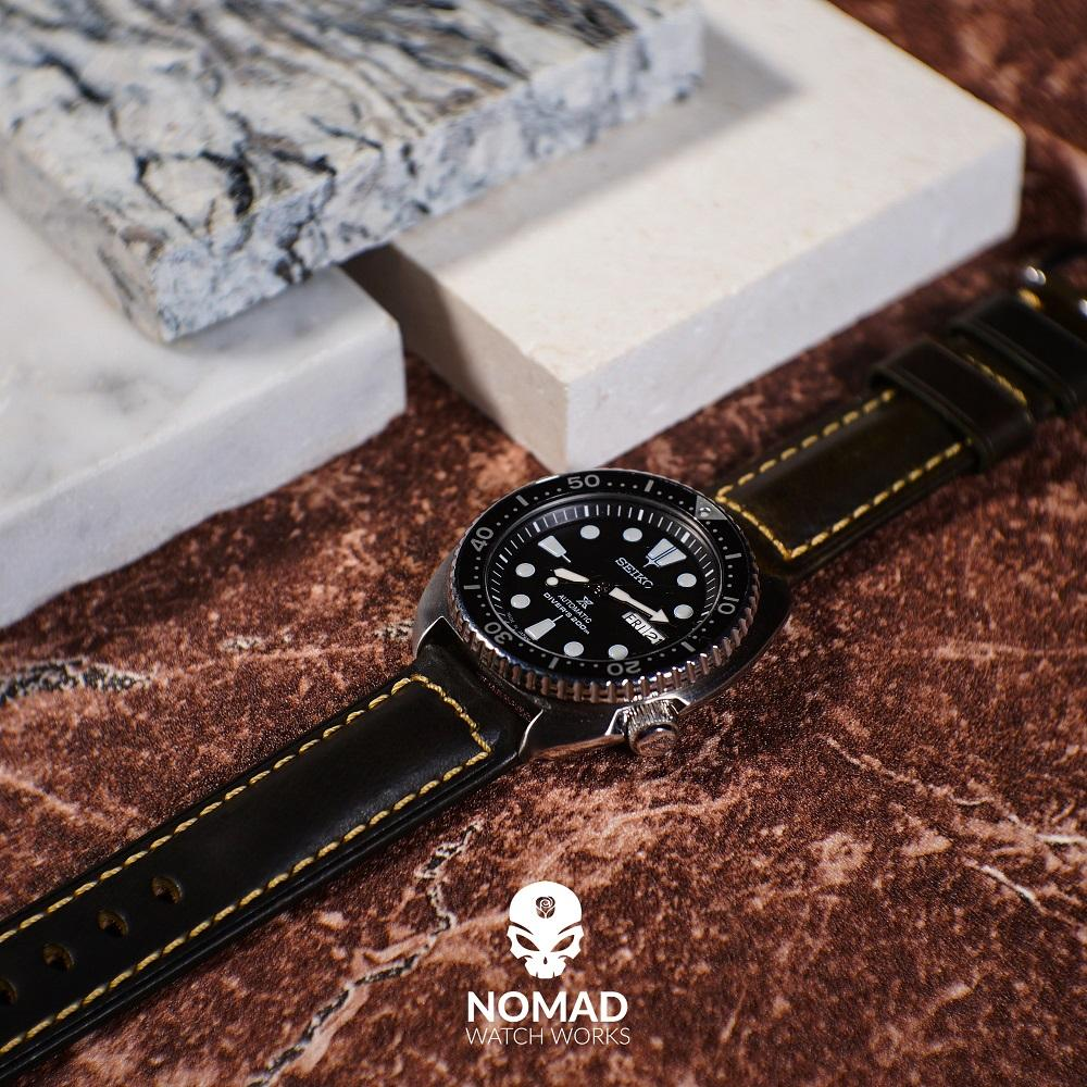 M2 Oil Waxed Leather Watch Strap in Olive (24mm)
