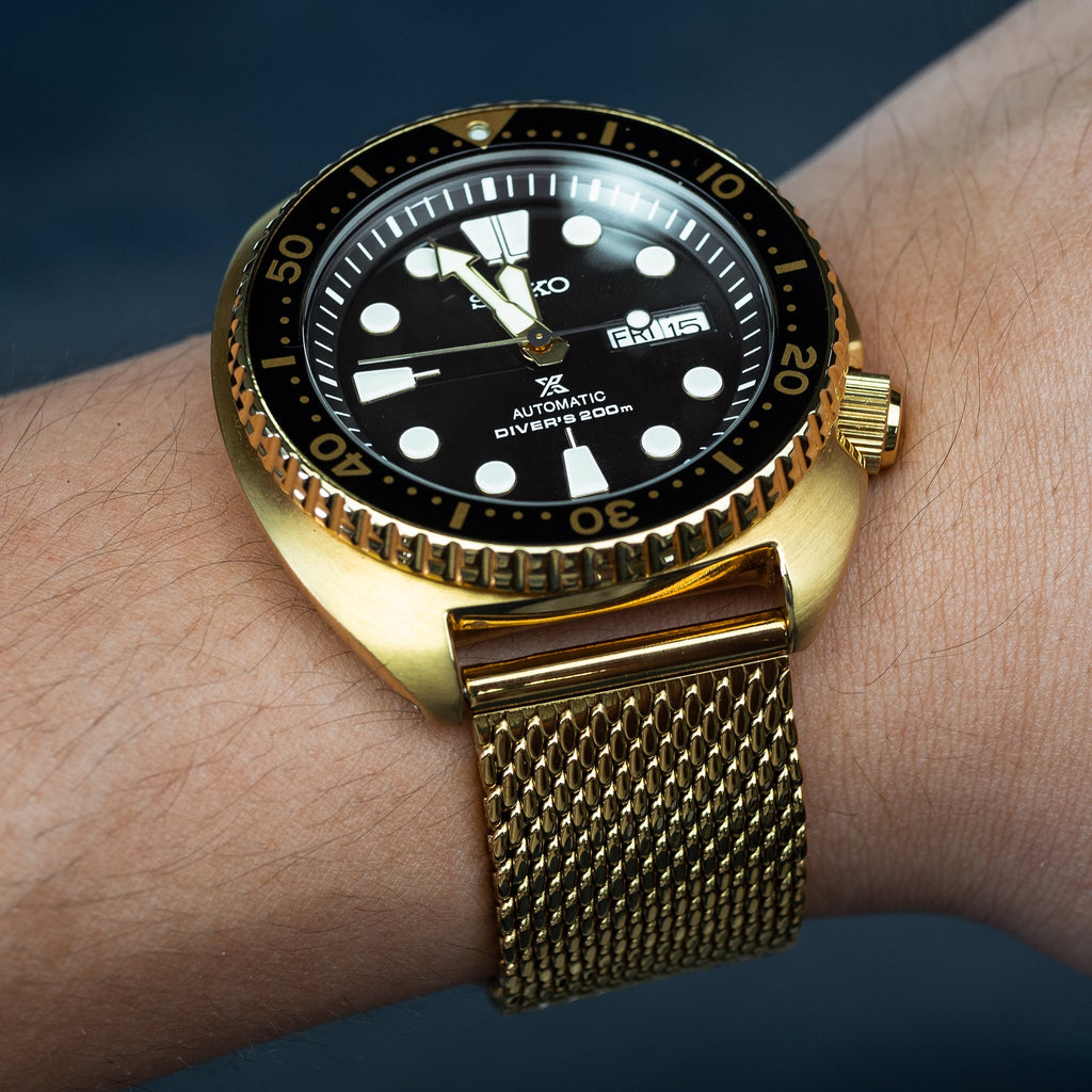 Premium Milanese Mesh Watch Strap in Yellow Gold (22mm)