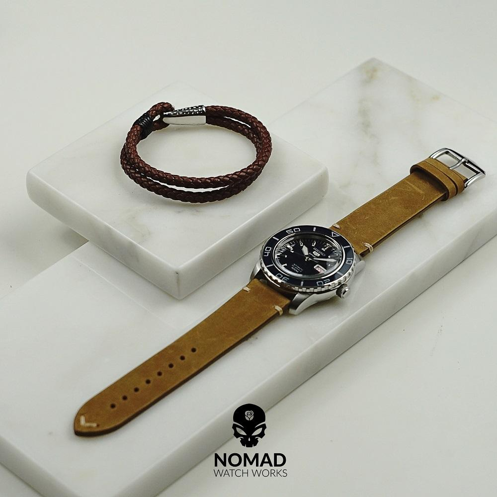 Premium Vintage Calf Leather Watch Strap in Tan (22mm)