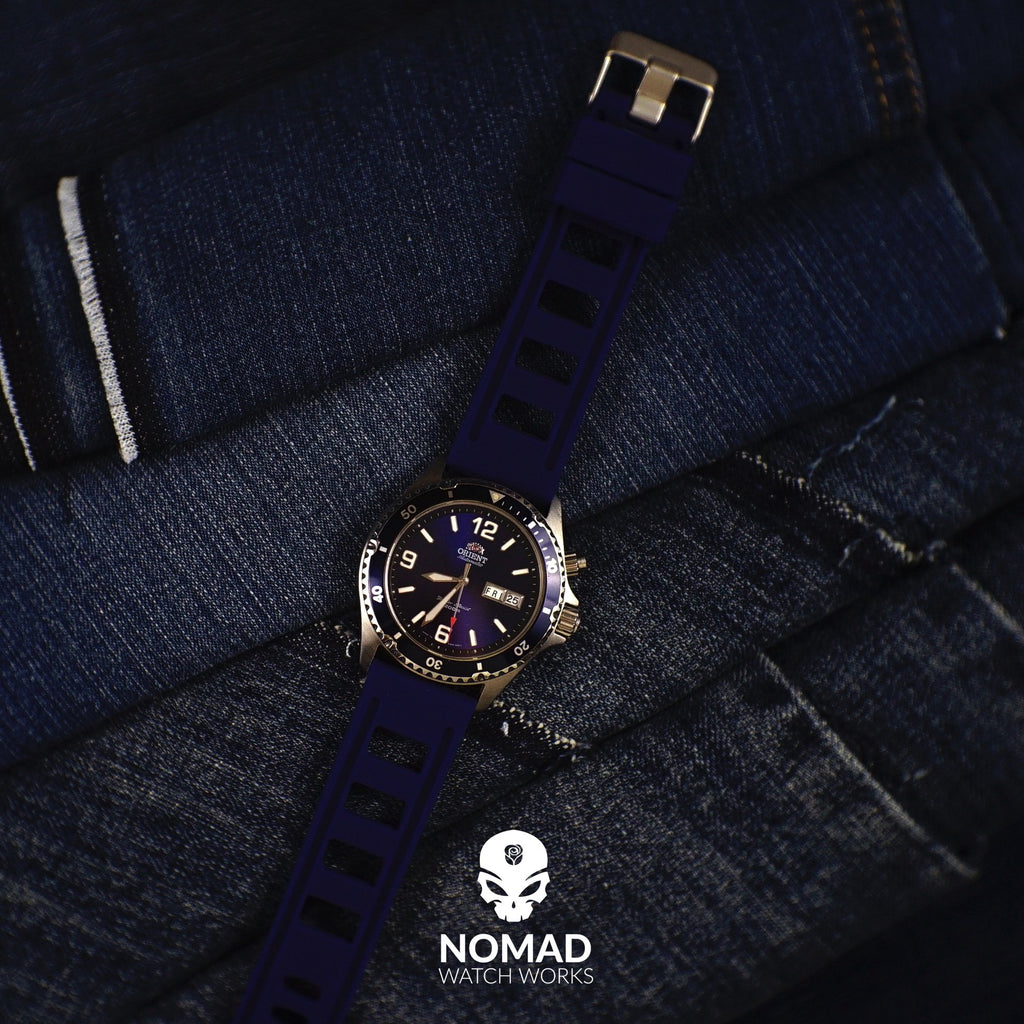Iso Rubber Strap in Navy with Silver Buckle (22mm) - Nomad watch Works