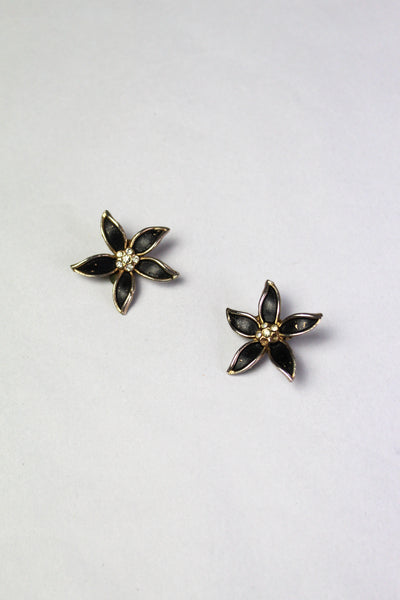 Black Flower Clip-on Vintage Earrings