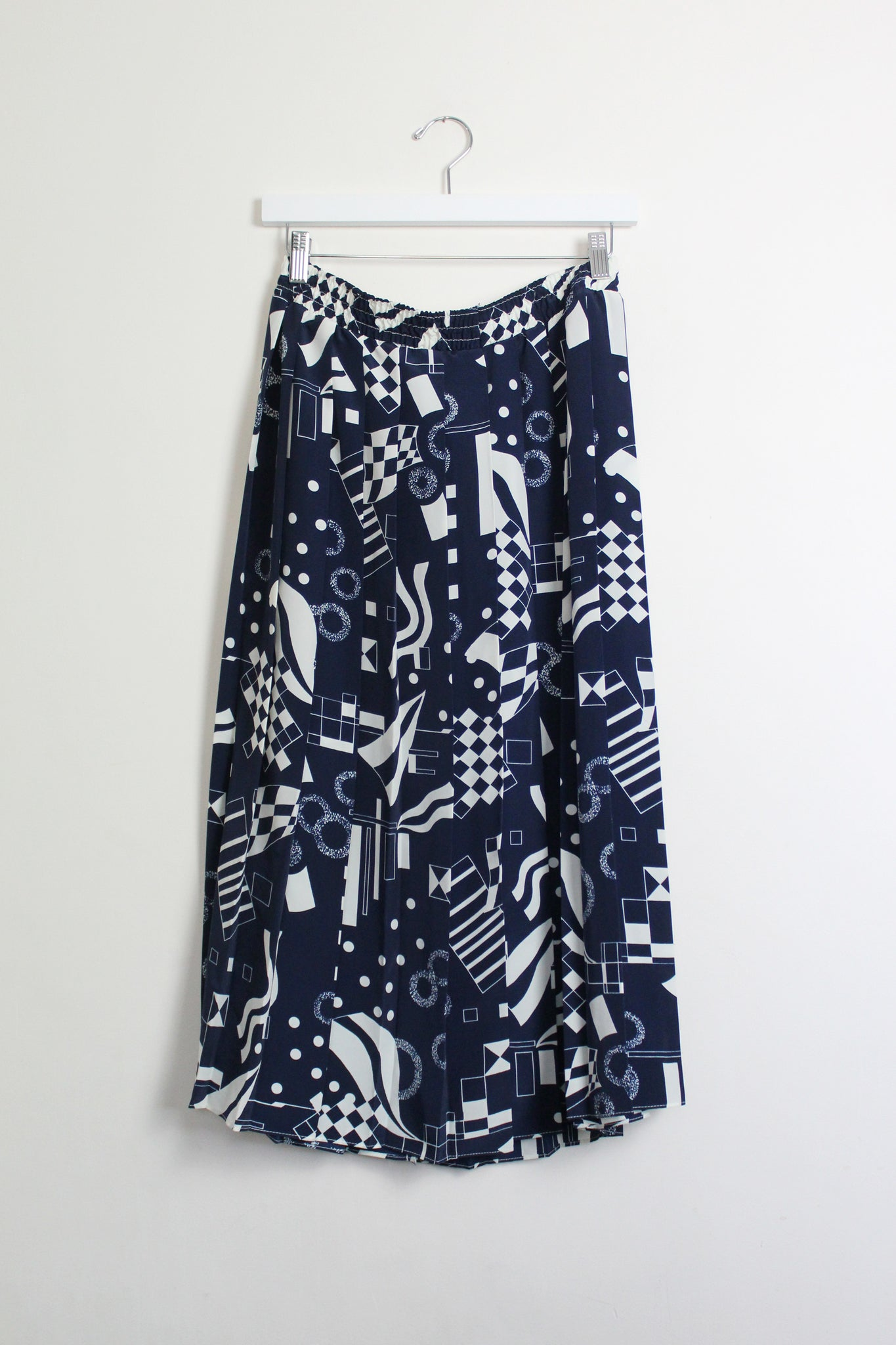 Abstract Print Pleated Midi Skirt