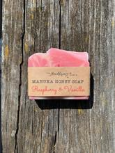 Load image into Gallery viewer, BeeKeepers Manuka Honey Soap