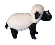 Load image into Gallery viewer, Hkg039 Glass Sheep