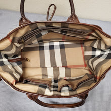 Load image into Gallery viewer, Burberry Handbag