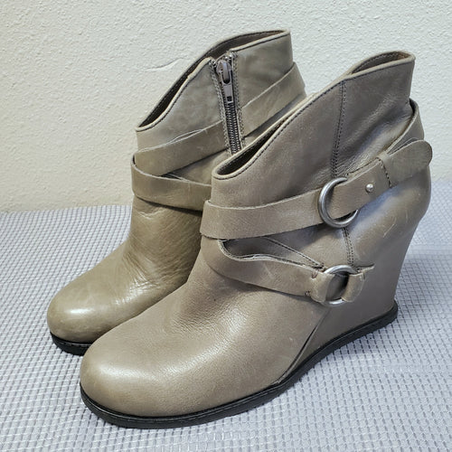 Gray Leather  Wedges