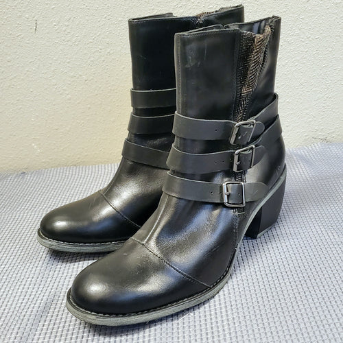Black Buckle Boots