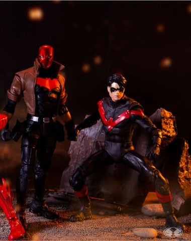 (McFarlane) DC COLLECTOR MULTIPACK - NIGHT WING VS. RED HOOD