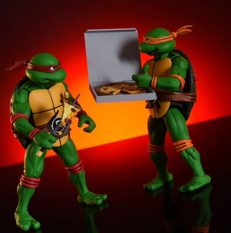 (NECA) Teenage Mutant Ninja Turtles Raphael and Michelangelo Exclusive Action Figure 2-Pack