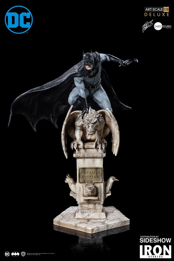 (Iron Studios) Batman - Deluxe Art Scale 1/10 by Eddy Barrows