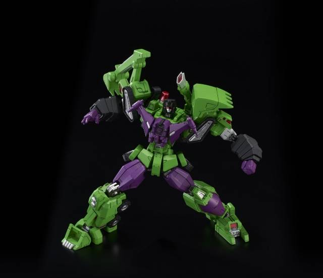 (FLAME TOYS) TRANSFORMERS FURAI MODEL DEVASTATOR - MODEL KIT