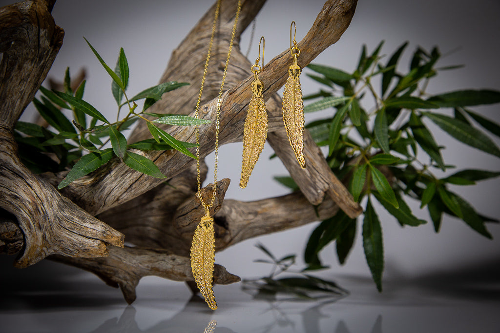 Gold Christmas Bush of NSW Leaf Pendant & Earrings Set