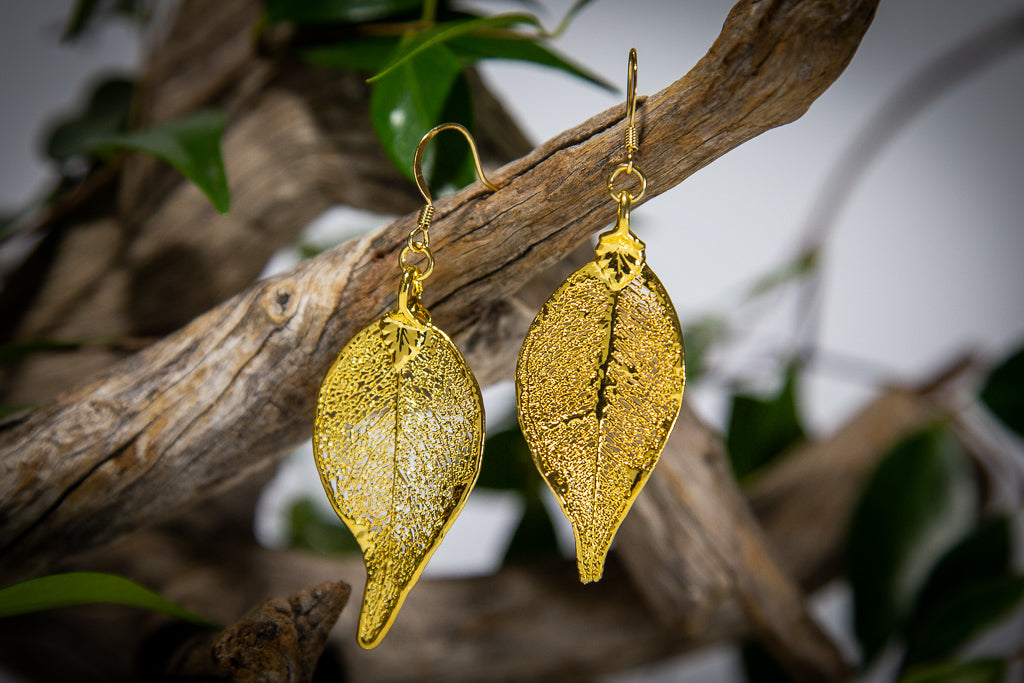 Lilly Pilly Leaf Gold Pendant & Earrings Set