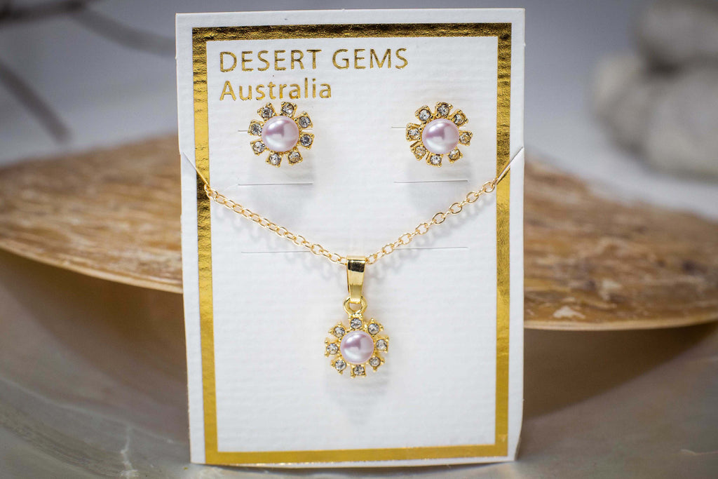 Sparkling Pearl Flower Stud Gold Earrings & Pendant Set
