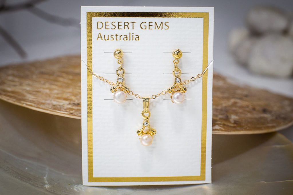 Pearl Drop Twinkling Gold Earrings & Pendant Set