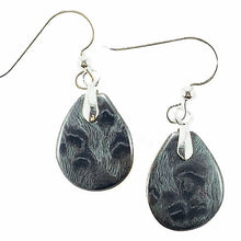 Load image into Gallery viewer, Vermont Bentwood Handcraft Petal Earrings