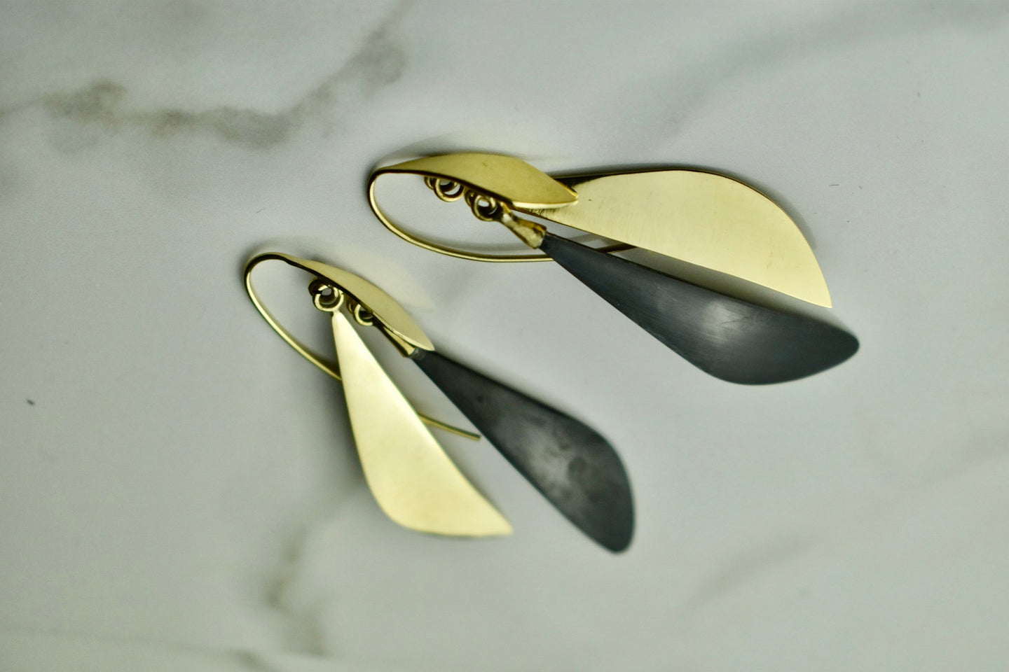 Soko Makena Threader Earrings Mixed Material Gold/Black