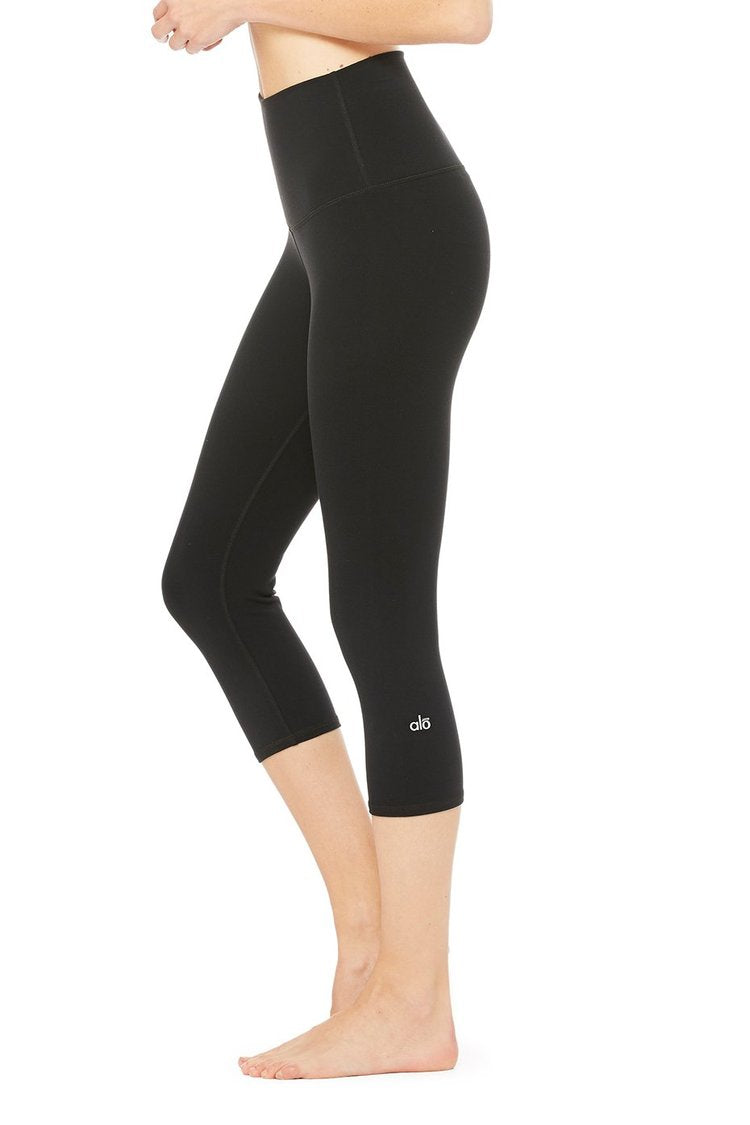 Alo High-Waist Airbrush Capri Black