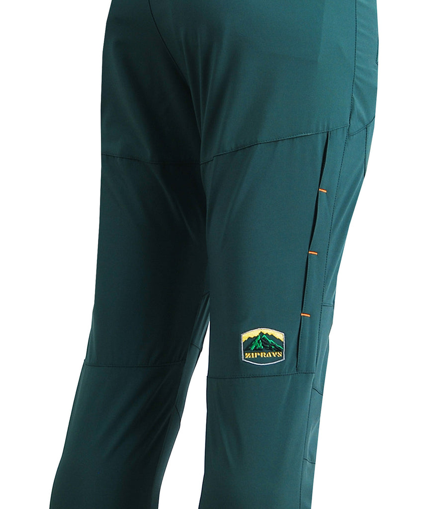 detail view / outdoor hiking mountain slim pants