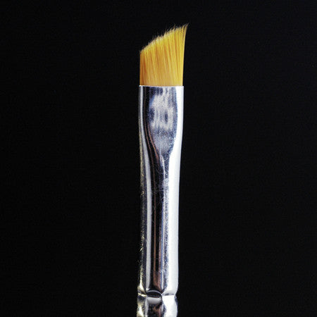 Slant Tip Eye Shadow Brush
